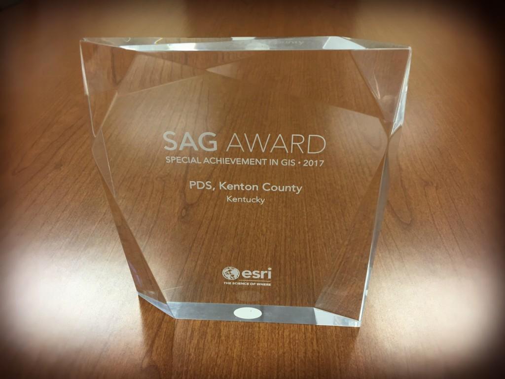 AnnualReport_Award_EsriSAGAward_PIXLR_sm